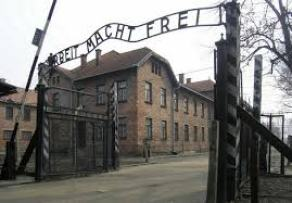 Arbeit  macht frei, Στρατόπεδο Συγκέντρωσης Άουσβιτς, Β' Παγκόσμιος Πόλεμος