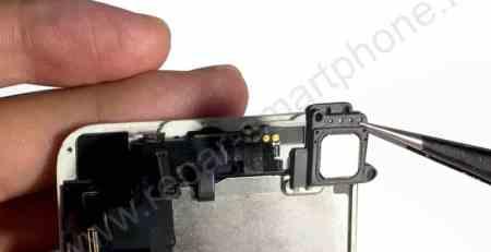 Retrait de l'ecouteur iPhone 5S SE 4