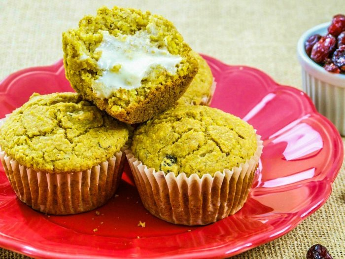 Image of cranberry cornbread muffins