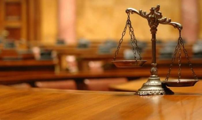 Οι δικηγόροι αντιδρούν στην εξαίρεσή τους από τα 800 ευρώ