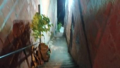 Photo of Mulher fica ferida após cair de escadaria no Feitosa, em Maceió