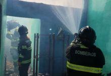 Photo of Homem ateia fogo na própria casa após discutir e agredir companheira, em Arapiraca