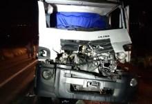 Photo of Dois homens ficam feridos em acidente entre caminhões na BR-101, em Teotônio Vilela