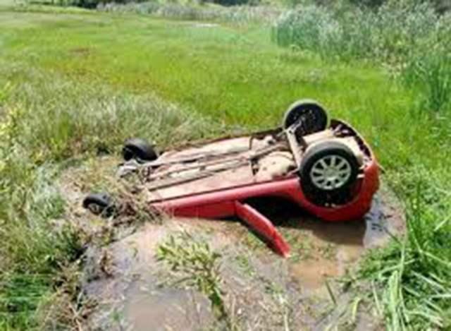 Quatro adultos e duas crianças encontradas mortas dentro de carro