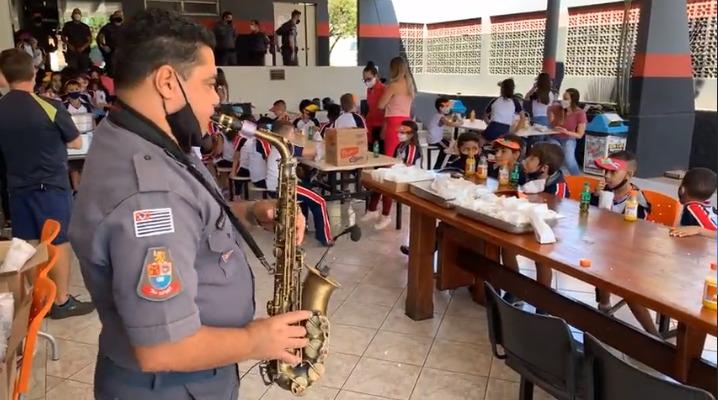 Polícia Militar de Araras realiza festa em comemoração ao Dia das Crianças