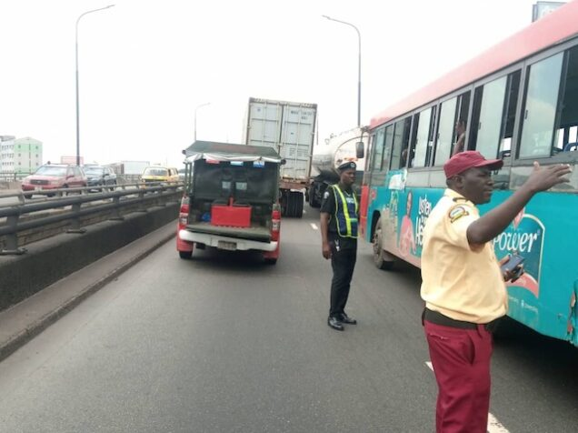Lagos Commuters Trek As Bus Drivers And Conductors Protest On Ikorodu Road