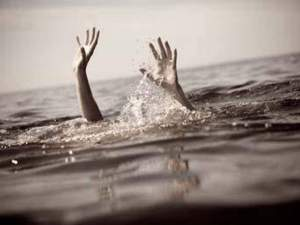 5 girls who were boating in Deoria drowned in the pool, 3 died, 2 serious... Kishore was driving the boat