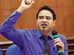 Kafeel Khan: Relief from High Court to Dr. Kafeel, ban on suspension, report sought for departmental inquiry in a month