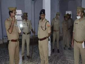 Budaun news: The murderer took away the tongue and half moustache... Murdered the Mahant of the temple by slitting his throat