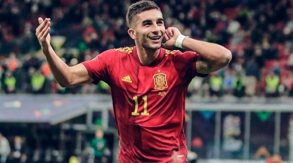 Ferran Torres has broken bone in foot, doubtful for big Spain games