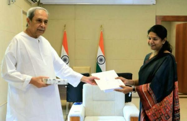 Kanimozhi meets Naveen, delivers Stalin's letter seeking support for NEET opposition