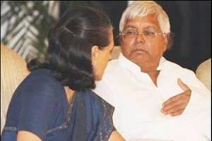 Sonia calls Lalu Yadav after RJD-Congress spat in Bihar