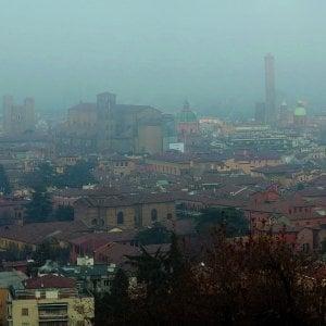 Allarme smog, stop alle auto inquinanti a Bologna