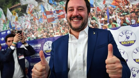 Gadget fascisti vietati, Salvini contro il sindaco di Bologna