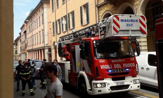Fire in Bologna, charred dies on birthday