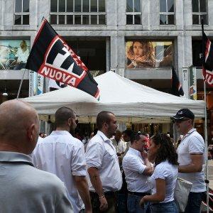 """La galassia nera arriva a Milano per il festival di CasaPound. Gli antifascisti: """"Il Comune dica no"""""""