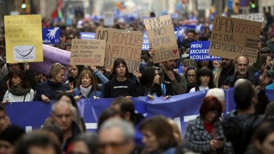 'Sì all'accoglienza', Milano come Barcellona: anche Virzì e Bonino alla grande marcia per i migranti