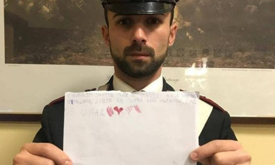"""""""Siete i miei supereroi"""", bimbo scrive ai carabinieri dopo l'arresto del padre: da anni picchiava la mamma"""