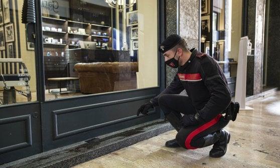 Rissa nella movida di corso Garibaldi a Milano: un 24enne accoltellato, è grave