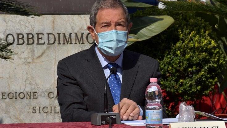 Controlli anti Covid per chi arriva in Sicilia, Musumeci proroga  l'ordinanza - la Repubblica