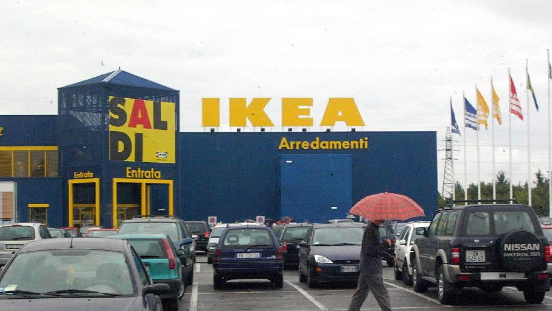 Ikea Di Corsico 10 Dipendenti Licenziati Per La Truffa