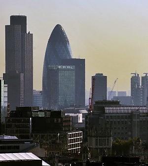 """Londra invasa da italiani e spagnoli. Cercano lavoro, ma gli inglesi: """"Pigs here"""""""