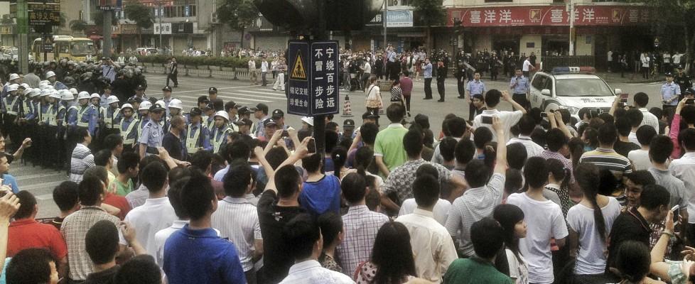 Cina, si allarga la protesta degli operai dei grandi marchi. La Nike pensa di ritirarsi dal Bangladesh