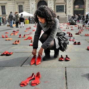 """Femminicidio, 2013 anno nero: """"Ogni due giorni uccisa una donna"""""""