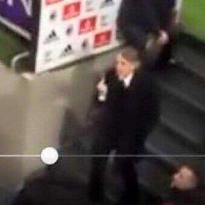 Mancini e il dito alzato