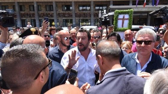 """Tunisia, strage in mare ma Salvini attacca: """"Spesso esporta galeotti"""". """"L'Italia dirà 'no' a riforma Dublino"""""""