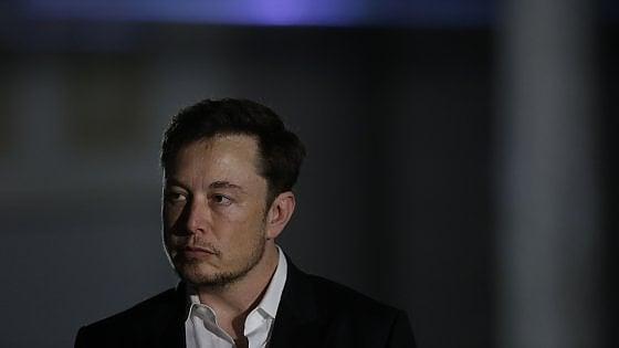 """Tesla, l'accusa di Musk dopo gli incidenti: """"C'è un sabotatore"""""""