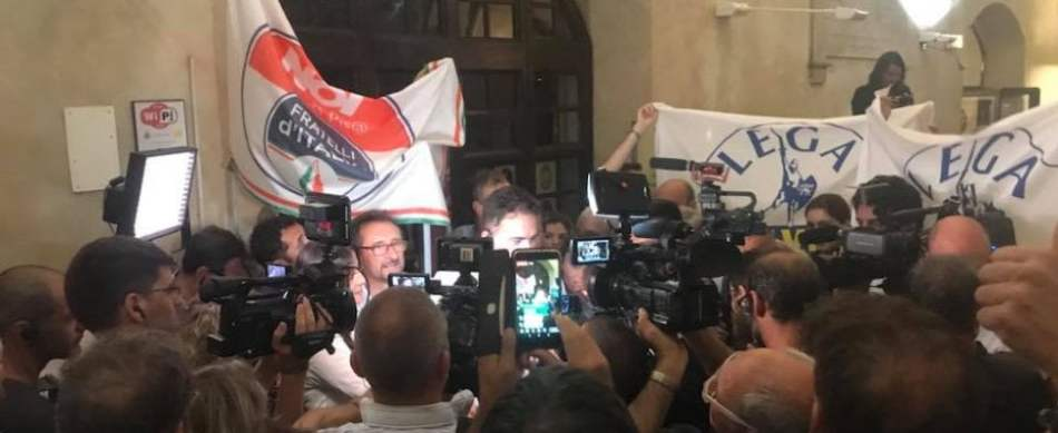 Ballottaggi, cadono le roccaforti rosse: Massa, Pisa e Siena al centrodestra, Imola ai 5 Stelle. Vola la Lega. M5S conquista Avellino