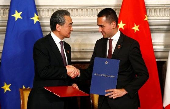 """Cina-Italia, firmati gli accordi economici. Conte a Xi Jinping: """"Costruire relazioni più efficaci"""""""