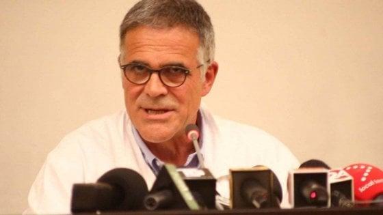 """Coronavirus, Zangrillo: """"Il Covid non esiste più, qualcuno terrorizza il paese"""". Richeldi: """"No, il virus circola"""""""