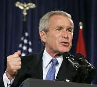 <B>Guantanamo, la Corte Suprema<br>boccia i 'tribunali speciali' di Bush</B>
