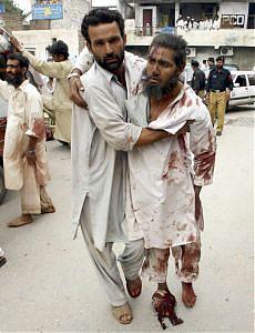 Pakistan, eletto Asif Ali Zardari Autobomba a Peshawar, 16 morti