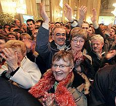 <B>Elezioni Francia, batosta per Sarkozy<br>La sinistra vince anche i ballottaggi</B>