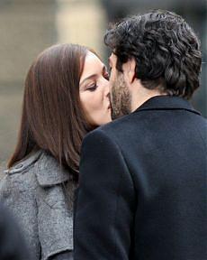<B>Monica Bellucci, sesso bollente<br>con Favino conteso da due donne</B>