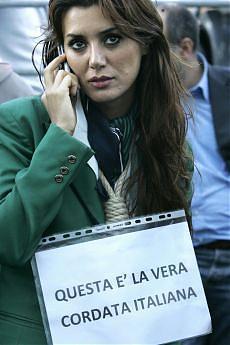 https://i1.wp.com/www.repubblica.it/2008/09/sezioni/economia/alitalia-27/alitalia-17-settembre/ap_13926755_05230.jpg