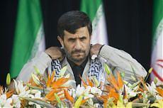 "Iran, Ahmadinejad contro Berlusconi ""Indegno paragonarci a Hitler"""