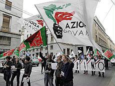 """I giovani di An contro Fini """"Non saremo mai antifascisti"""""""