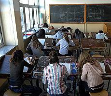 Tanti insegnanti, ma pagati male E l'Italia non investe sull'università