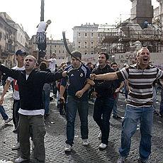 Nuove immagini e testimonianze contro i fascisti di piazza Navona