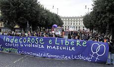 """Donne in piazza contro la violenza """"Difendiamo i nostri diritti"""""""