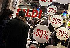 https://i1.wp.com/www.repubblica.it/2008/12/sezioni/economia/crisi-9/consumi-natale/foto_14710529_15170.jpg