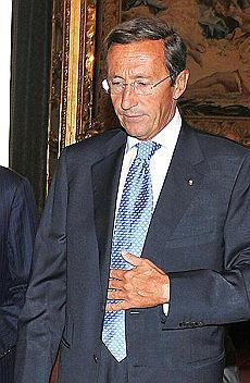 Finanziaria, fiducia alla Camera Di nuovo scontro Fini-Tremonti