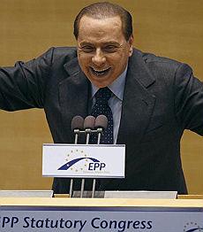"""Berlusconi: """"Contro il partito dei giudici cambieremo la  Carta costituzionale"""""""