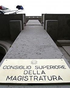 """La prima comissione del Csm a Berlusconi """"Basta attacchi alla magistratura"""""""