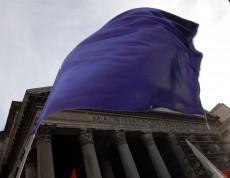 Popolo viola dal sito alla piazza manifestazioni in tutta Italia
