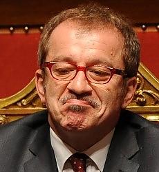 """Busta esplosiva contro la Lega Maroni: """"Stroncheremo il  terrorismo"""""""